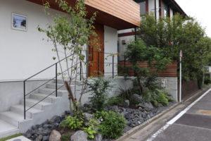 阿久比築山の庭。厳しい夏を乗り越え。のイメージ