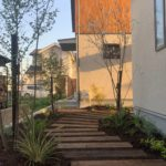 犬山枕木小径の庭。玄関ポーチ周りも完了。のイメージ