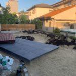 東郷自然石テラスの庭。山砂搬入、庭園灯設置完了。のイメージ