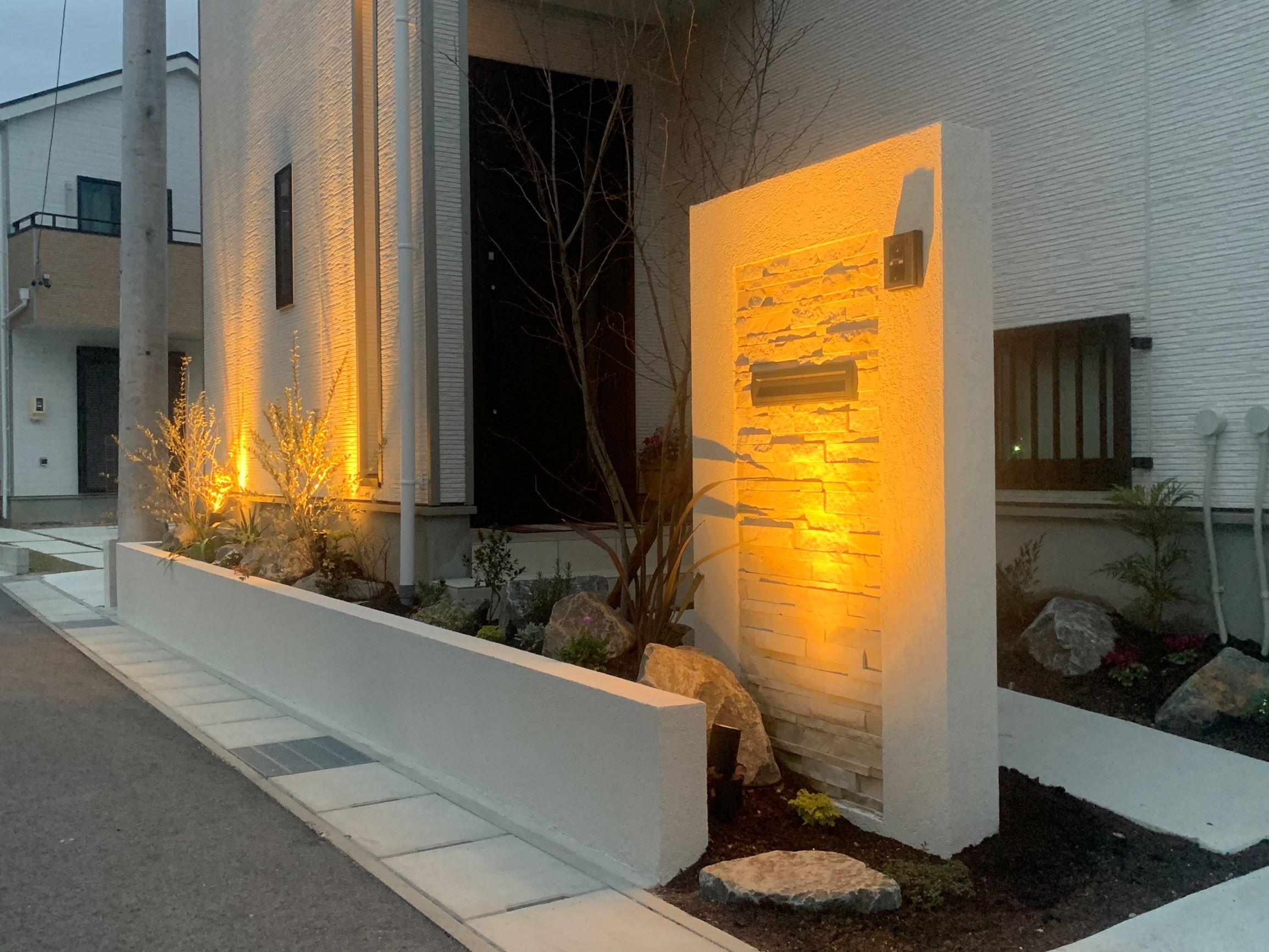 日進門周りリフォームの庭。年末ぎりぎりに完成。のイメージ