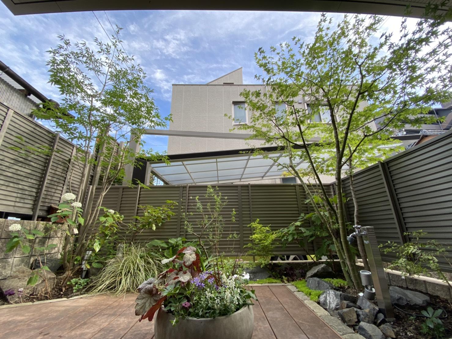 """はなあーとの時お世話になった""""昭和デッキで過ごす・デッキを楽しむ庭""""のイメージ"""
